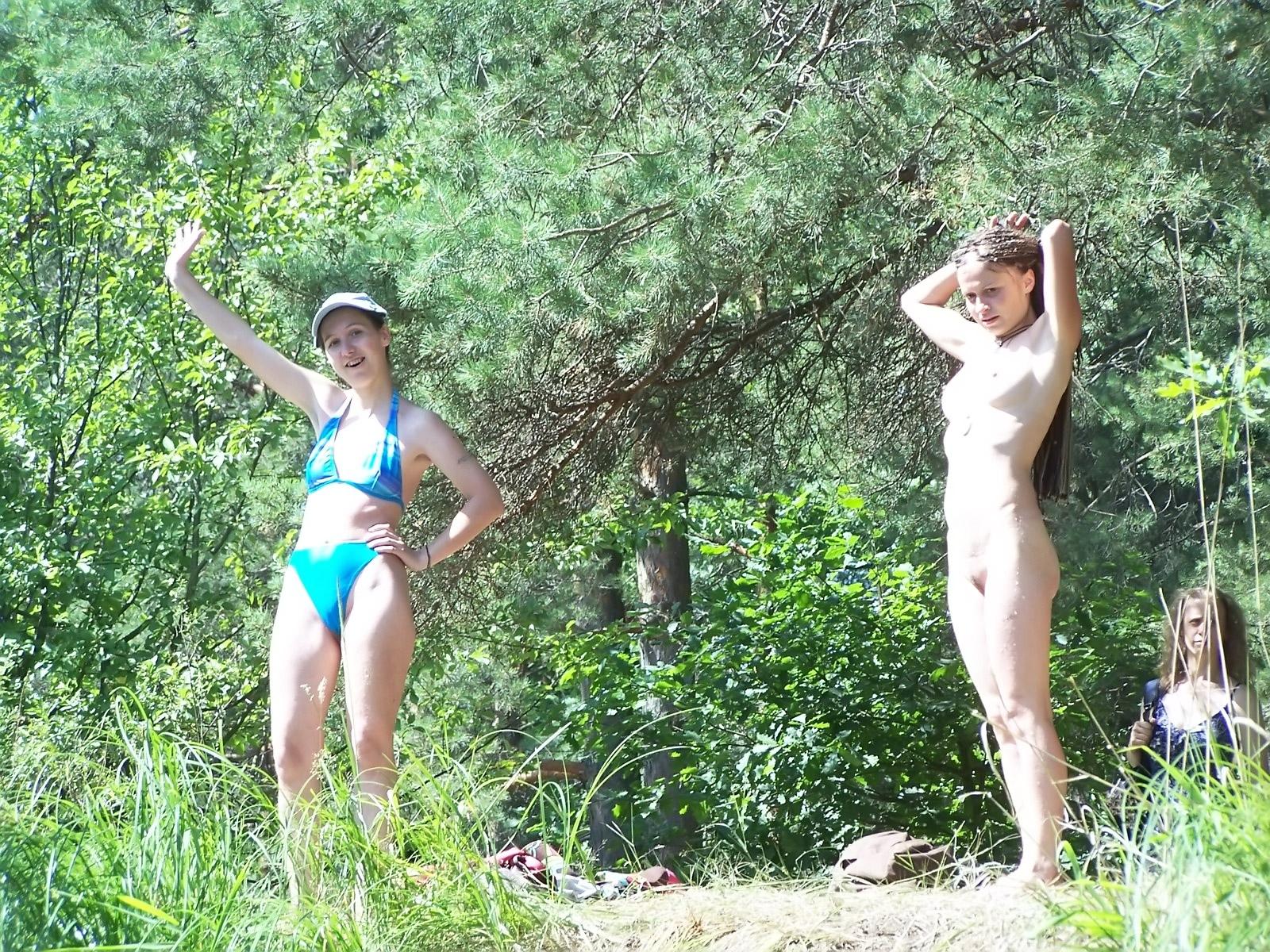 Секс в кустах при первом знакомстве